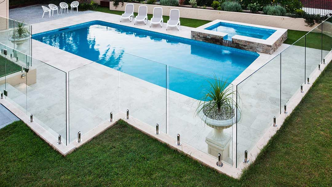 4 Reasons Glass Pool Fencing Is Better For Your Pool Area